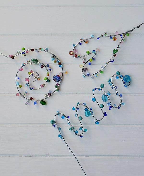 DIY Gartenstecker aus Draht und Perlen selber machen