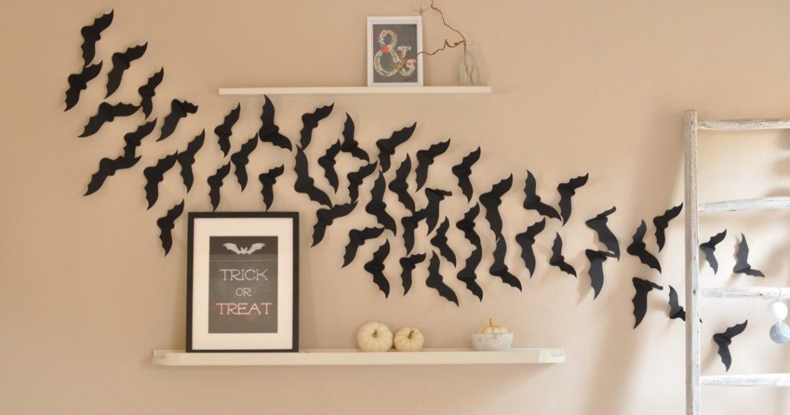 Fledermaeuse an der Wand Halloween