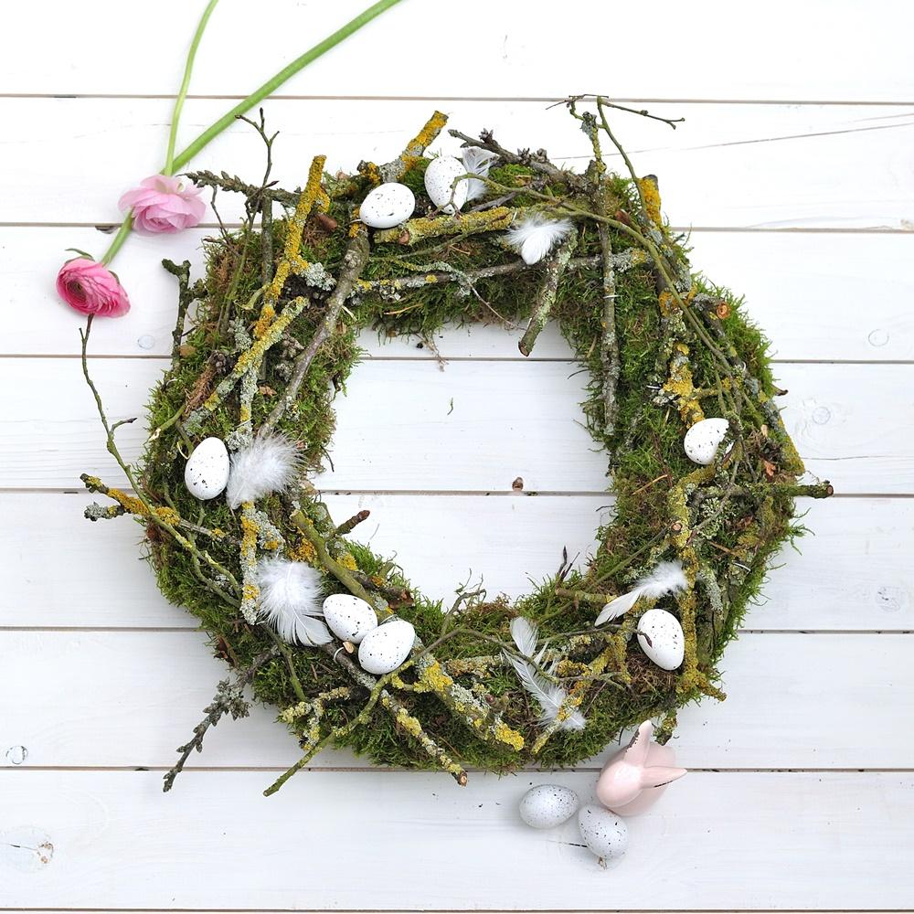Frühlings Kranz mit Eiern