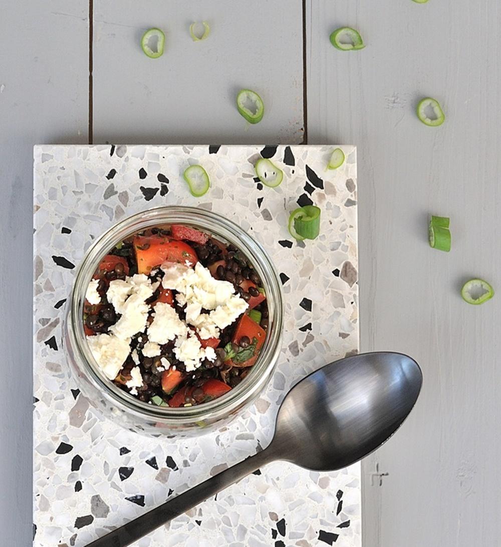 schwarzer Linsen Salat mit Feta