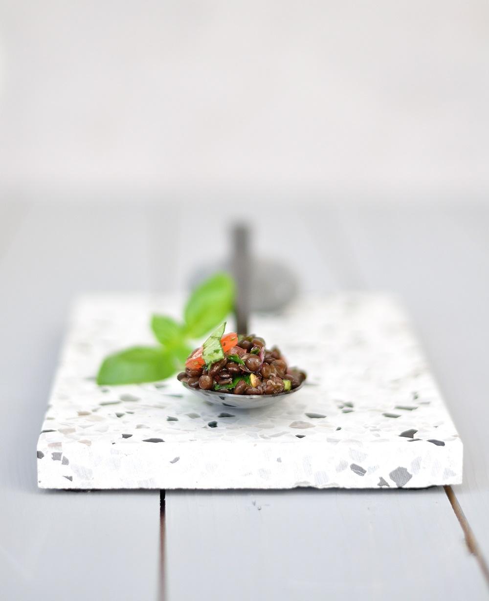 Linsen Salat auf Löffel