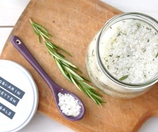 Rosmarin Salz mit Limette und Minze