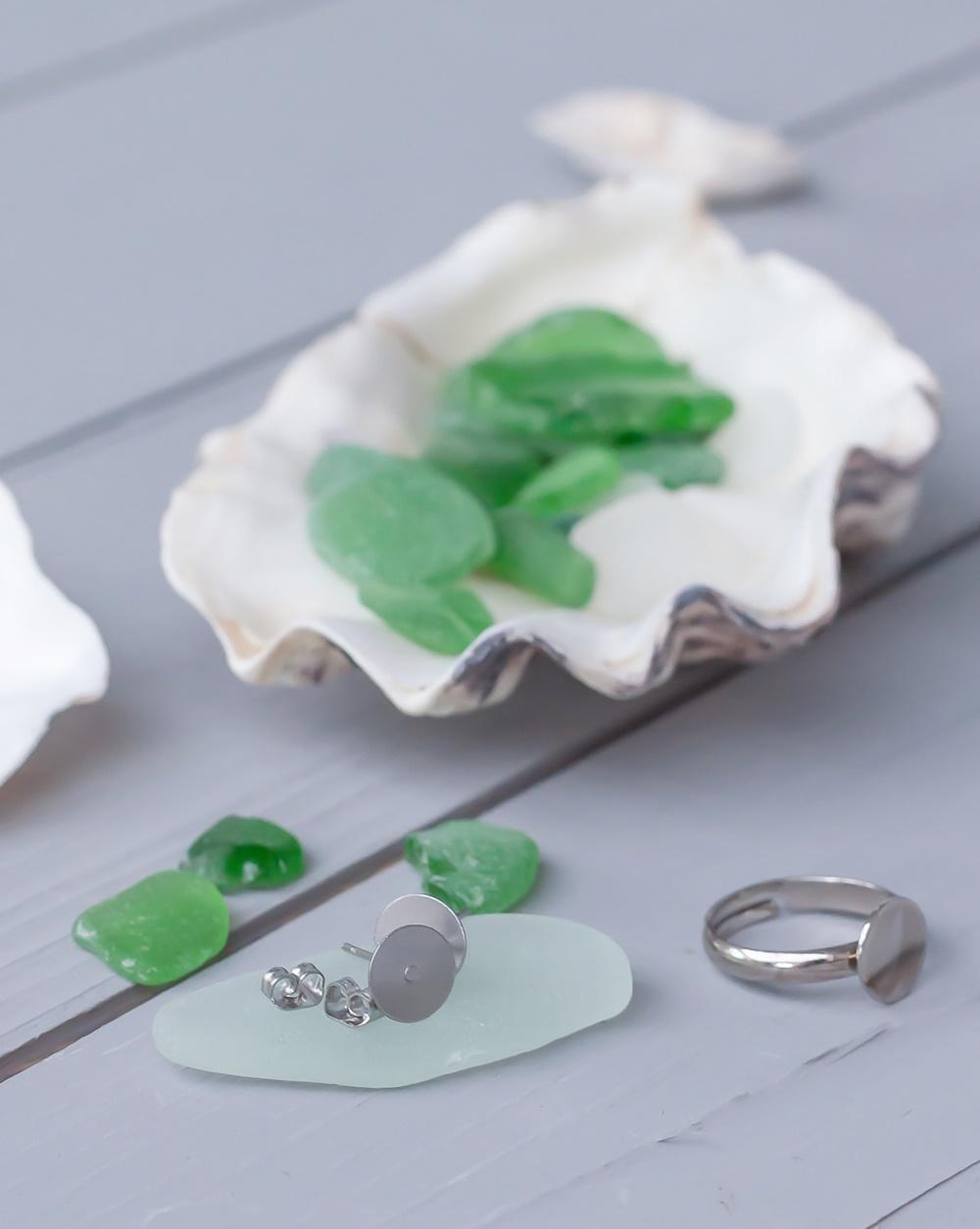 Schmuck aus Strandglas Material