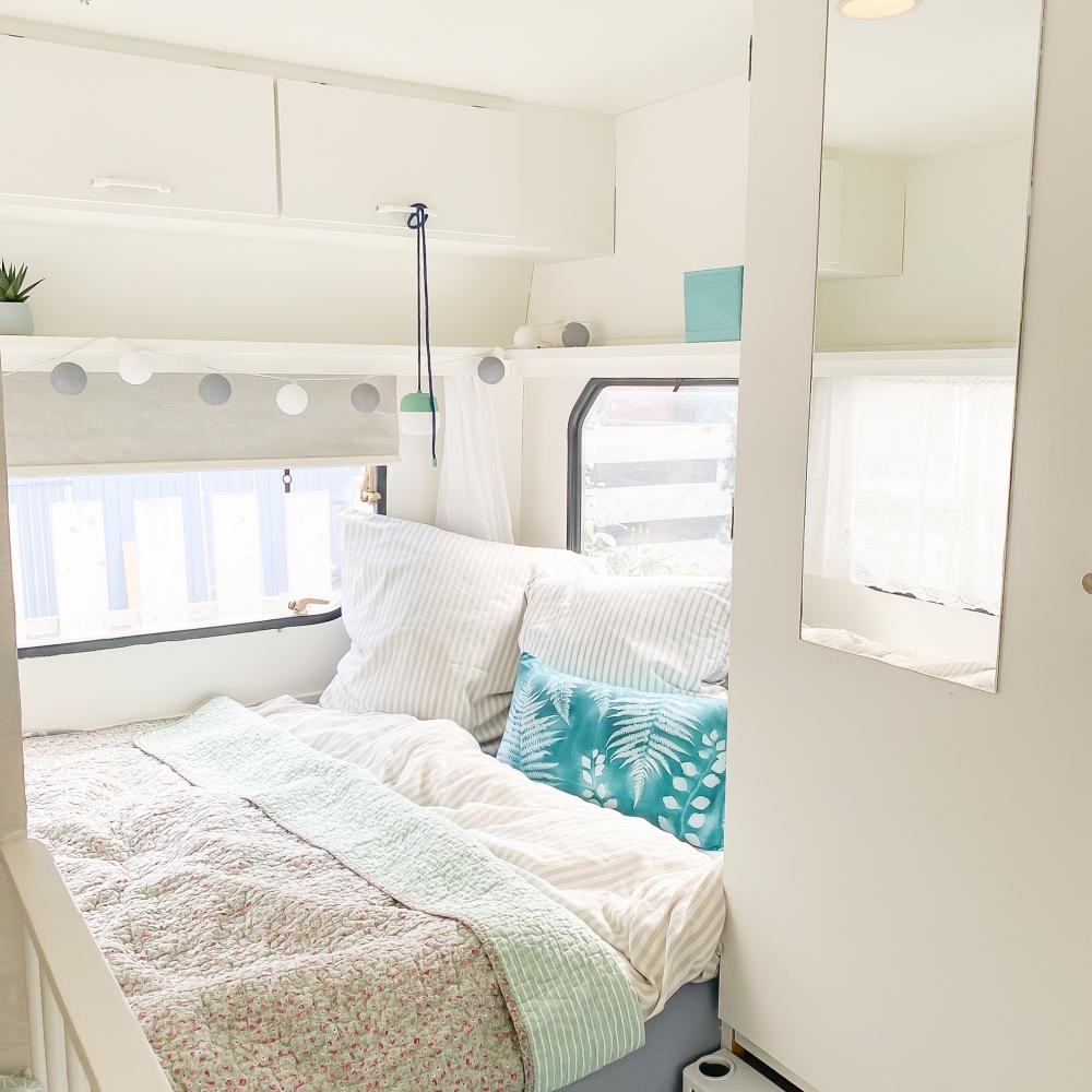 Wohnwagen renovieren Schlafbereich