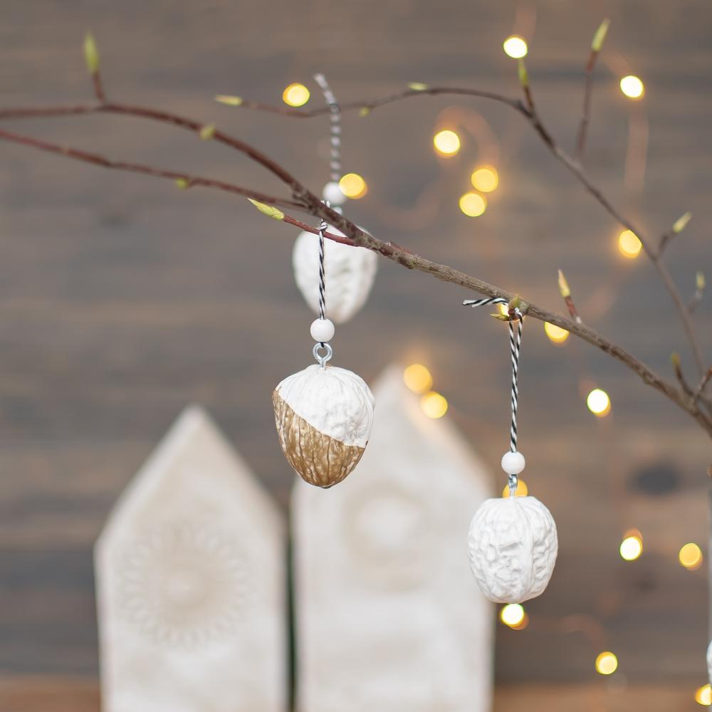 Weihnachtsdeko aus Nüssen DIY