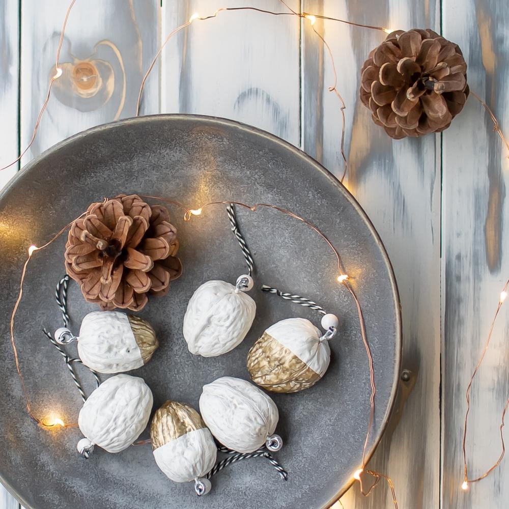 Weihnachtsdeko aus Nüssen