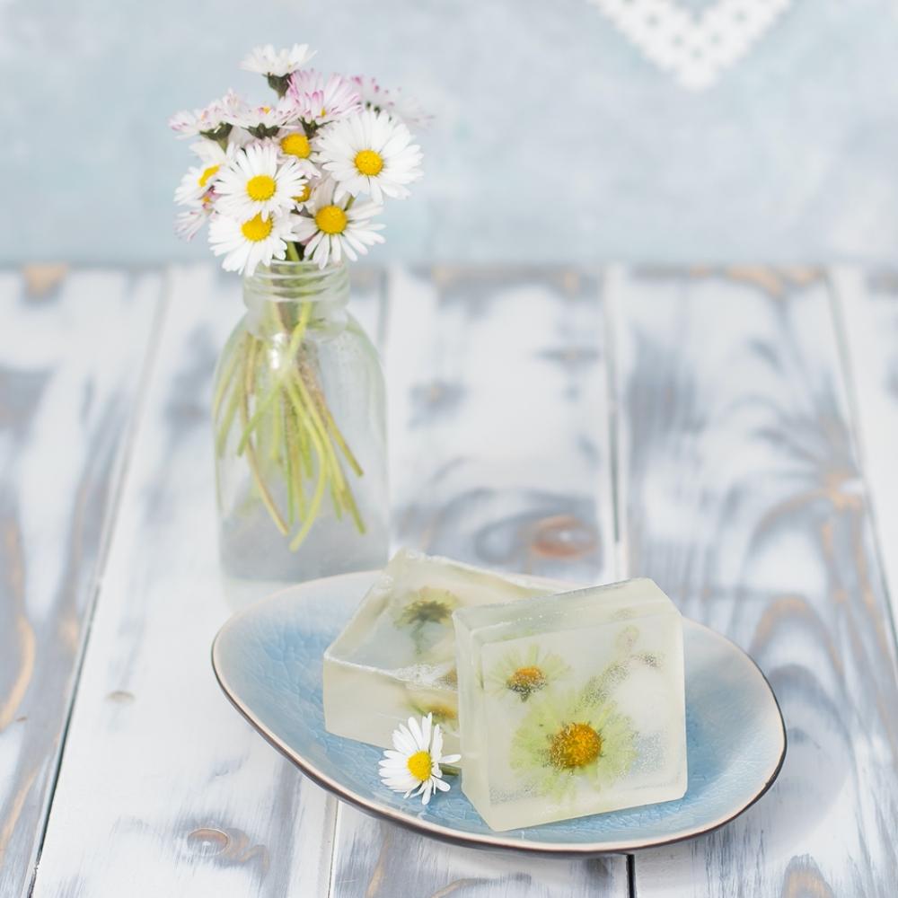 DIY Seife mit Blumen