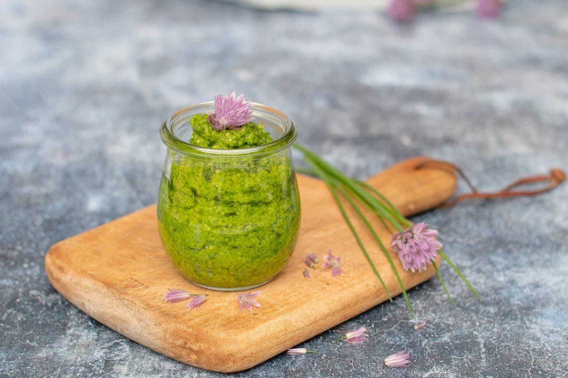 Schnittlauch Pesto selber machen Rezept