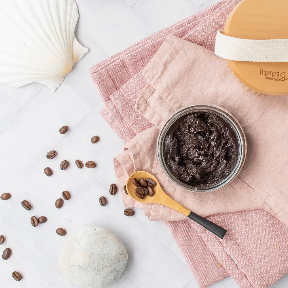 Peeling selber machen mit Kaffee und Minze