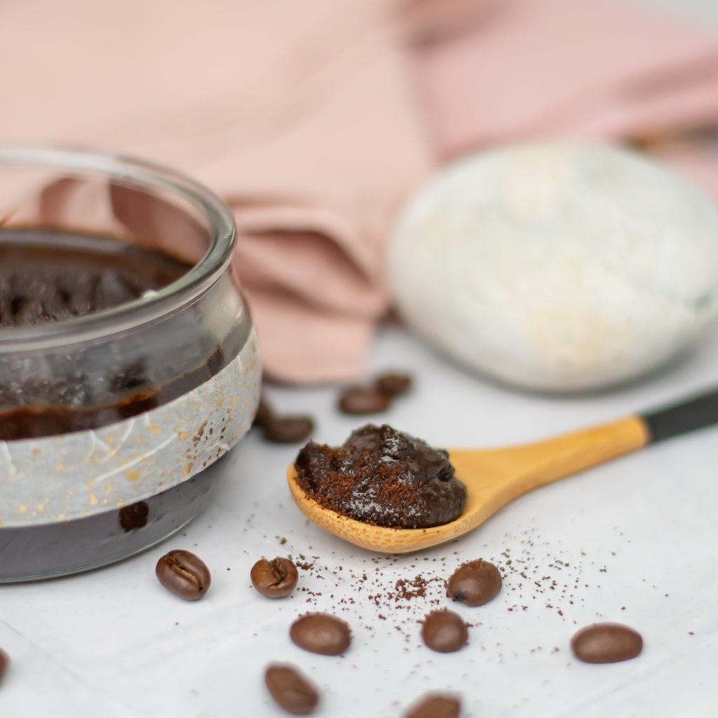 Kaffee Peeling selber machen Rezept mit Minze